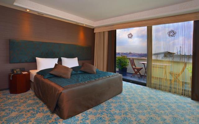 Executive Double Room with Bath and Balcony