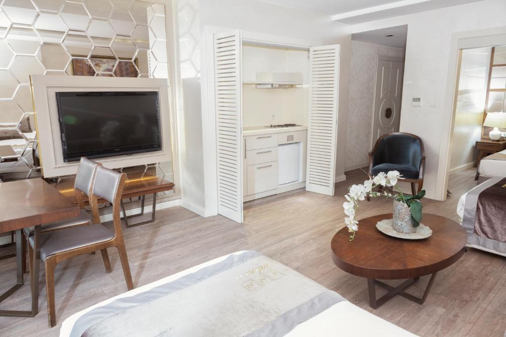 Family Suite with French Balcony and Kitchenette