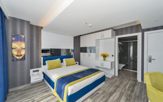 Standard Double Room + Breakfast + WIFI