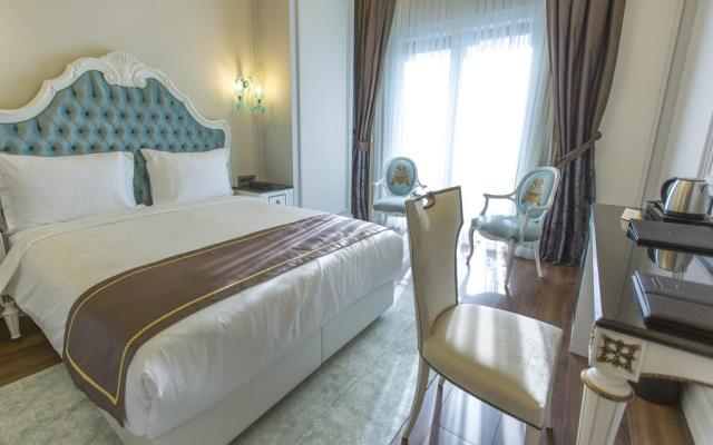 Deluxe King Sea View