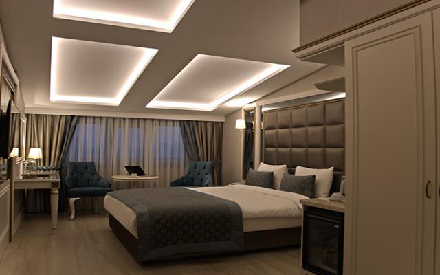 King Double Room with City View