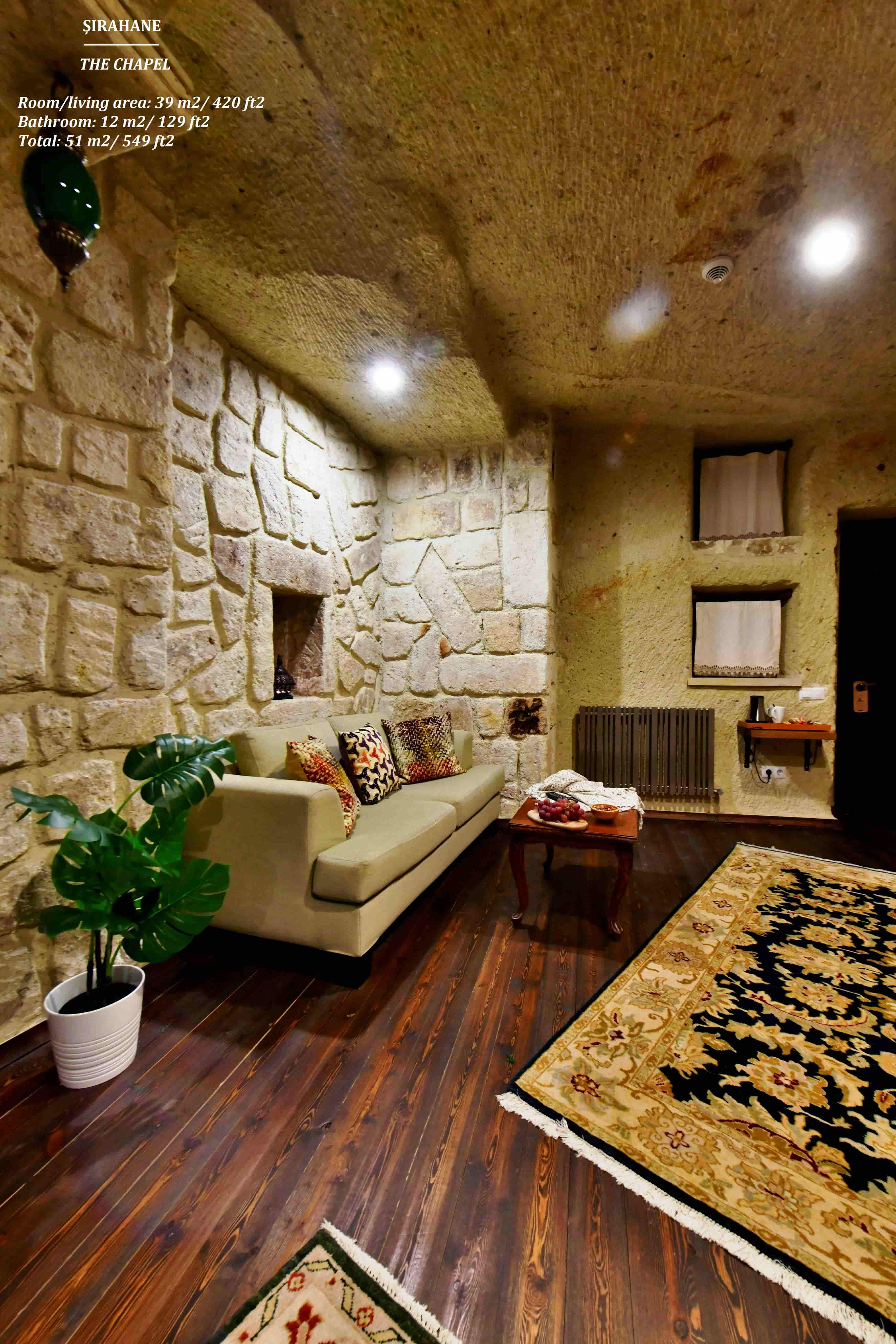 Deluxe Cave Triple Room