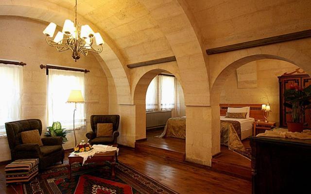 Superior Cave Suite