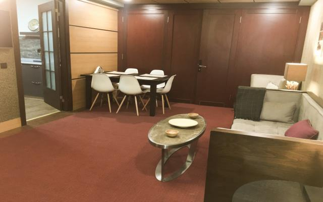 Four Bedroom Family Apartment with Kitchen - 9 PAX