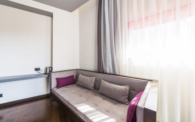 Six Bedroom Family Apartment with Kitchen - 13 PAX