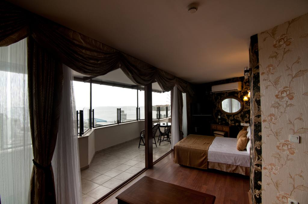 Suite Room with Sea View with Balcony