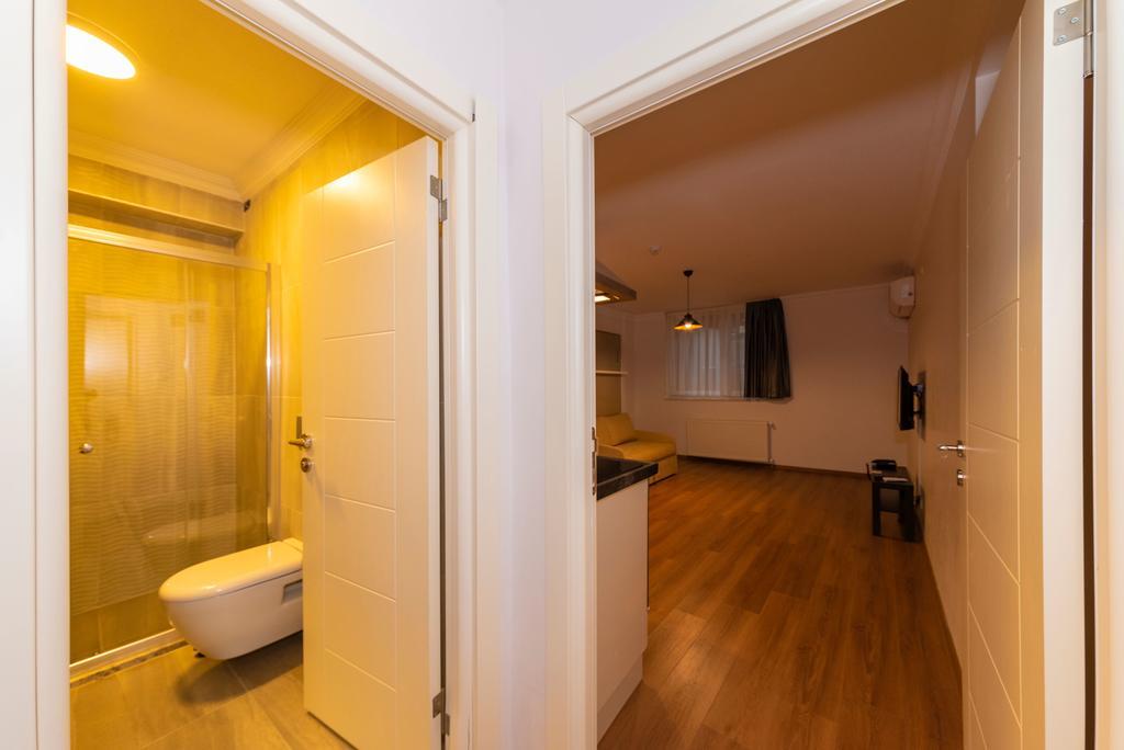 Family Suite-Basement Floor