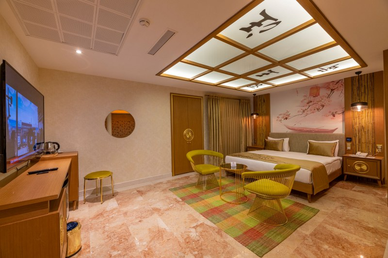 Silent Suite with Jacuzzi Pool